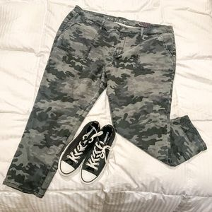 Cool Plus Size Camo Jeggings